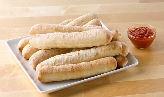 breadsticks-angle158-10inch-pizza-dipping-sauce-14248